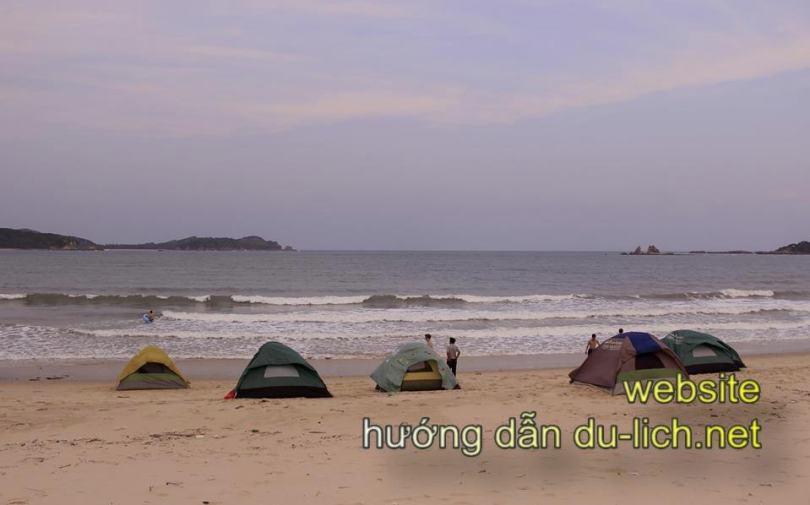 Hình ảnh bãi tắm Vụng Tiên Cô Tô: nơi bạn có thể cắm trại qua đêm thế này để đón mặt trời