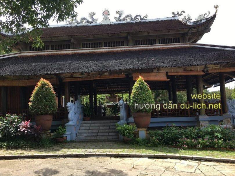 Khu vực lễ tân của Long Beach Resort Phu Quoc (3)