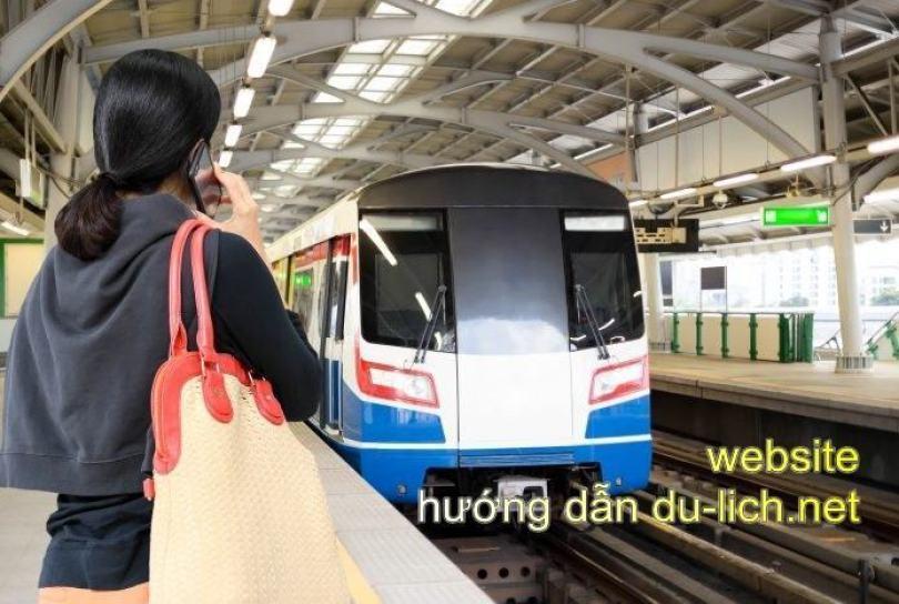 Làm cách nào để đi BTS tại Bangkok - Thái Lan