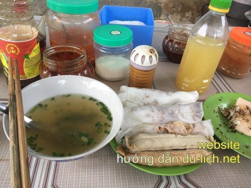 Bánh cuốn trứng bà Yêu tt Đồng Văn