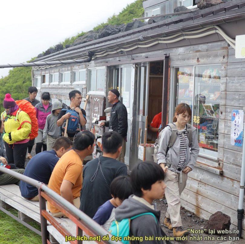 Nhà nghỉ tạm trên núi Phú Sĩ dành cho du khách đi leo núi