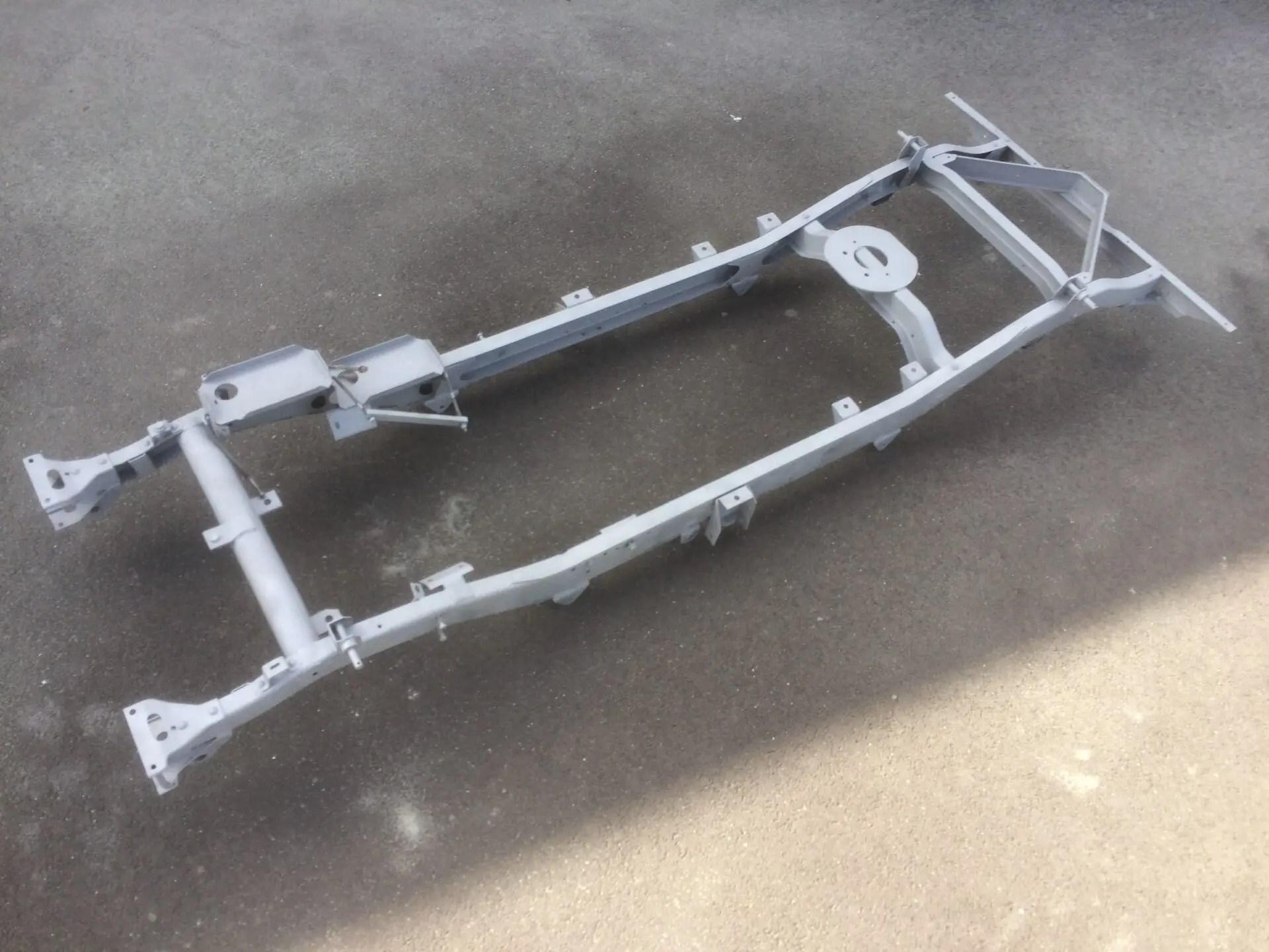 Châssis Jeep Hotchkiss M201 sablé