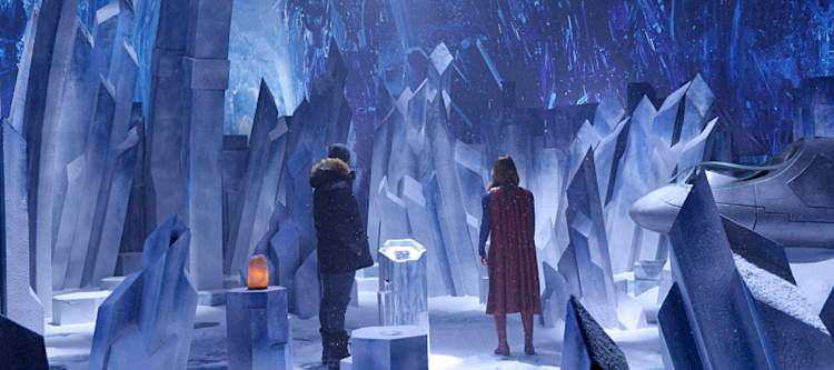 """""""Solitude"""" -- Kara travels to Superman's Fortress of Solitude in hopes of learning how to defeat Indigo, a dangerous being who can transport via the Internet and who has a connection to Kara's past, on SUPERGIRL, Monday, Feb. 29 (8:00-9:00 PM, ET/PT) on the CBS Television Network. Pictured left to right: Mehcad Brooks and Melissa Benoist Photo: Darren Michaels/CBS ©2016 CBS Broadcasting, Inc. All Rights Reserved"""