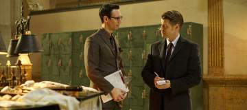 """GOTHAM: L-R: Cory Michael Smith and Ben McKenzie in the """"Wrath of the Villains: Mad Grey Dawn"""" episode of GOTHAM airing Monday, March 21 (8:00-9:01 PM ET/PT) on FOX. ©2016 Fox Broadcasting Co. Cr: Nicole Rivelli/FOX"""