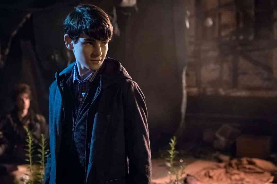 "GOTHAM: David Mazouz in the""Mad City: Look Into My Eyes"" episode of GOTHAM airing Monday, Oct. 3 (8:00-9:01 PM ET/PT) on FOX. ©2016 Fox Broadcasting Co. Cr: Jeff Neumann/FOX."