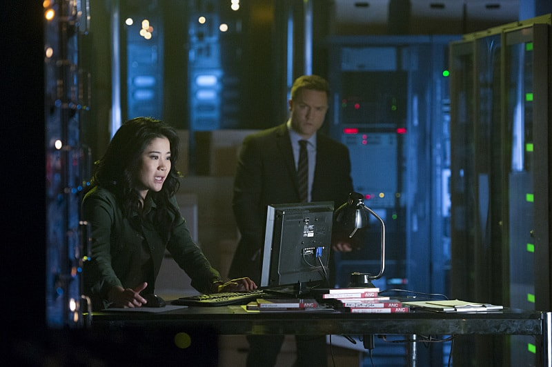 """We're Gonna Need a Bigger Vote"" -- On Election Day, as democracy hangs in the balance, Team Scorpion is called on when someone tries to throw the U.S. presidential election into chaos, on SCORPION, Monday, Nov. 7 (10:00-11:00 PM, ET/PT), on the CBS Television Network. Pictured: Jadyn Wong, Scott Porter. Photo: Neil Jacobs/CBS ©2016 CBS Broadcasting, Inc. All Rights Reserved"