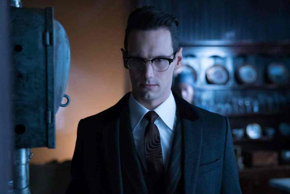 "GOTHAM: Cory Michael Smith in the ""Mad City: Ghosts"" episode of GOTHAM airing Monday, Jan. 16 (8:00-9:01 PM ET/PT) on FOX. Cr: Jeff Neumann/FOX."