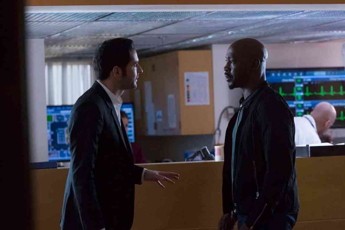 "LUCIFER: L-R: Tom Ellis and DB Woodside in the ""A Good Day to Die"" winter finale episode of LUCIFER airing Monday, Jan. 30 (9:01-10:00 PM ET/PT) on FOX. Cr: Michael Courtney/FOX."
