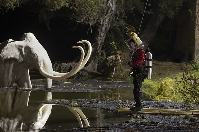 """""""This is the Pits"""" -- Walter must swim through the deadly La Brea Tar Pits when Team Scorpion helps a woman trapped in the tar before she runs out of oxygen. Also, without Paige's knowledge, her mother, Veronica (guest star Lea Thompson), """"helps"""" Ralph maximize his troop cookie sales, on SCORPION, Monday, Dec. 12 (10:00-11:00 PM, ET/PT) on the CBS Television Network. Pictured: Elyes Gabel; as Walter O'Brien. Photo: Monty Brinton/CBS ©2016 CBS Broadcasting, Inc. All Rights Reserved"""