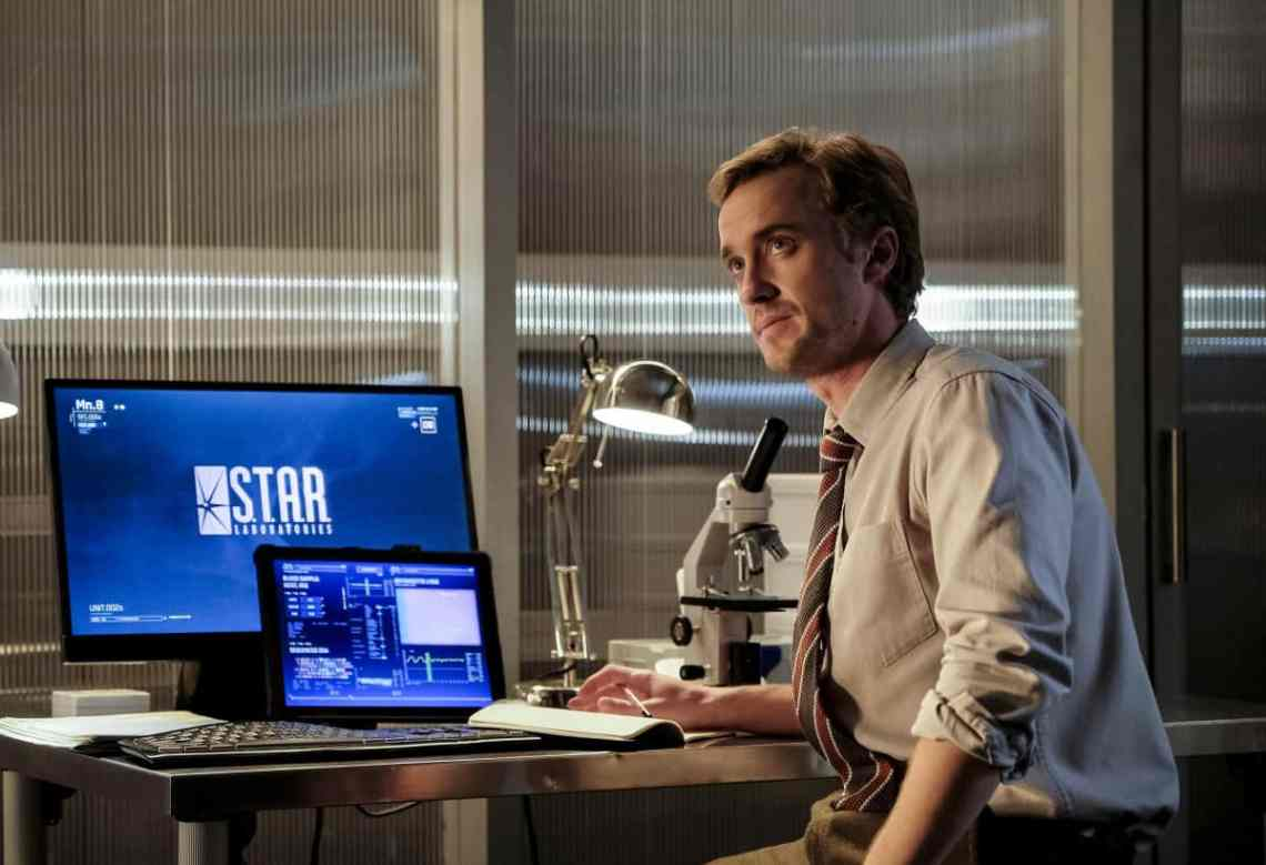 """The Flash -- """" Untouchable"""" -- Image FLA312a_0044b.jpg -- Pictured: Tom Felton as Julian Albert -- Photo: Robert Falconer/The CW -- © 2017 The CW Network, LLC. All rights reserved."""