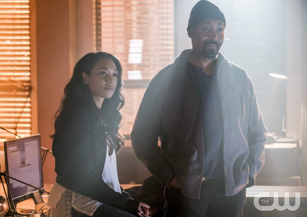 """The Flash -- """"Into the Speed Force"""" -- FLA316c_0050b.jpg -- Pictured (L-R): Candice Patton as Iris West and Jesse L. Martin as Detective Joe West -- Photo: Robert Falconer/The CW -- © 2017 The CW Network, LLC. All rights reserved."""