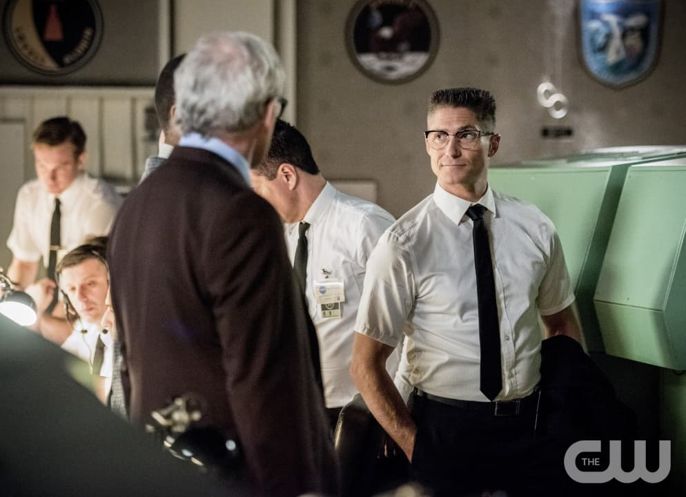 "DC's Legends of Tomorrow --""Moonshot""-- LGN214a_0108b.jpg -- Pictured (L-R): Victor Garber as Professor Martin Stein and Matthew MacCaull as Commander Steel -- Photo: Dean Buscher/The CW -- © 2017 The CW Network, LLC. All Rights Reserved"