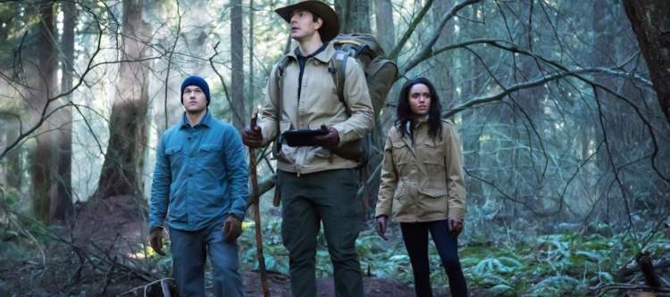 """DC's Legends of Tomorrow --""""Land of the Lost""""-- LGN213b_0072.jpg -- Pictured (L-R): Nick Zano as Nate Heywood/Steel, Brandon Routh as Ray Palmer/Atom and Maisie Richardson- Sellers as Amaya Jiwe/Vixen -- Photo: Dean Buscher/The CW -- © 2017 The CW Network, LLC. All Rights Reserved"""