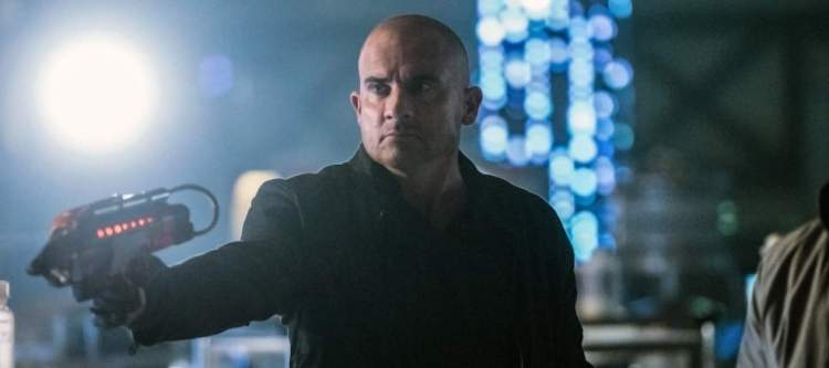 """DC's Legends of Tomorrow --""""Doomworld""""-- LGN216a_0280.jpg -- Pictured: Dominic Purcell as Mick Rory/Heat Wave -- Photo: Dean Buscher/The CW -- © 2017 The CW Network, LLC. All Rights Reserved"""