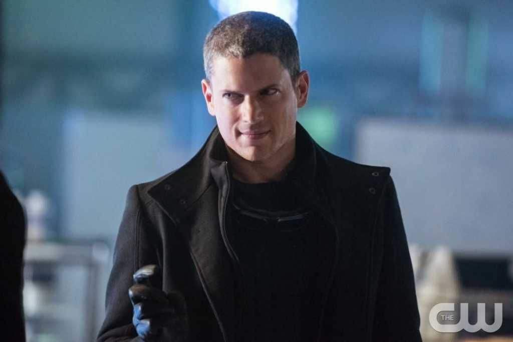 "DC's Legends of Tomorrow --""Doomworld""-- LGN216a_0311.jpg -- Pictured: Wentworth Miller as Leonard Snart/Captain Cold -- Photo: Dean Buscher/The CW -- © 2017 The CW Network, LLC. All Rights Reserved"