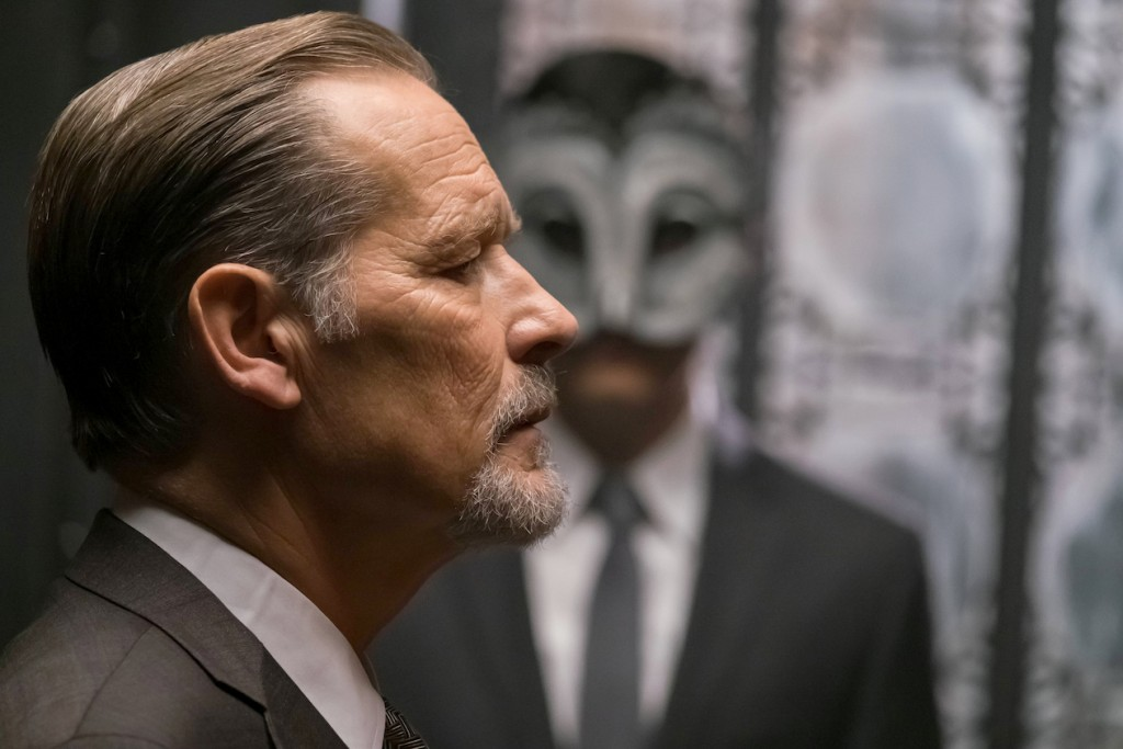 "GOTHAM: L-R: Guest star James Remar in the ""Heroes Rise: These Delicate and Dark Obsessions"" episode of GOTHAM airing Monday, May 1 (8:00-9:01 PM ET/PT) on FOX. Cr: Jeff Neumann/FOX"