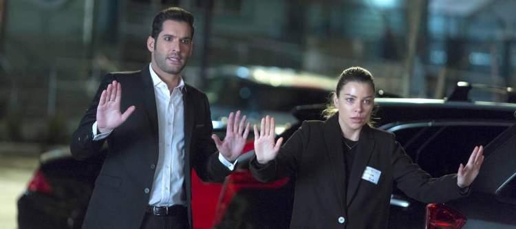 "LUCIFER: L-R: Tom Ellis and Lauren German in the ""Deceptive Little Parasite"" episode of LUCIFER airing Monday, May 8 (9:01-10:00 PM ET/PT) on FOX. Cr: Michael Courtney/FOX"