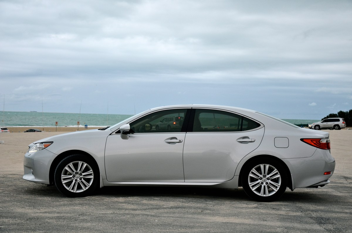 Lexus ES 250 2015 - Dhs 155,000 - Owner's review