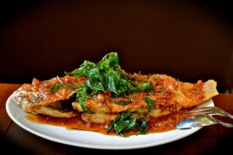 Red snapper - dhs 99 - with chilli sauce