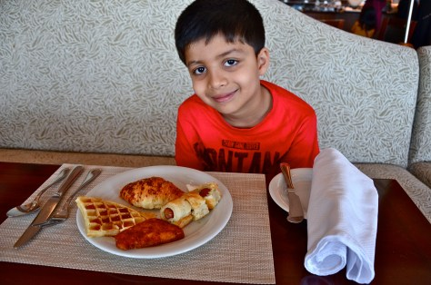 Breakfast at Danat Jebel Dhanna Resort