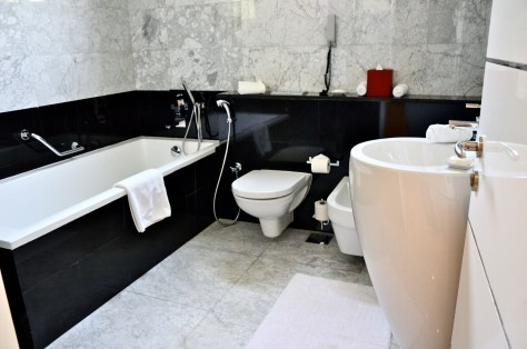 Ensuite bathroom of Twin room