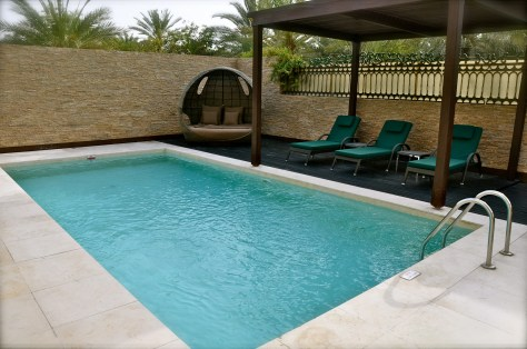 8-metre private swimming pool with sundeck, gazebo and rainshower at Pool Residence villa , Desert Palm Per Aquum
