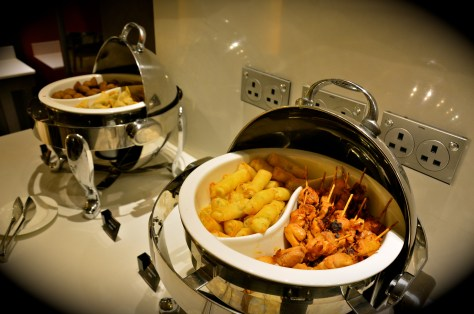 Complimentary evening snacks at Club Rotana Lounge