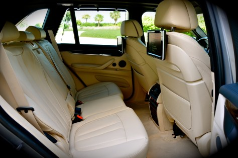 The premium rear seats can be folded down in 40:20:40 split