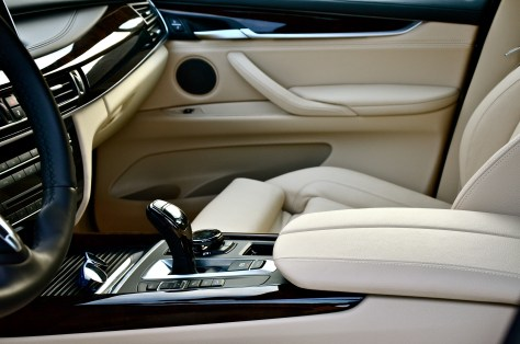 luxurious interior - Top-quality leather, refined surfaces