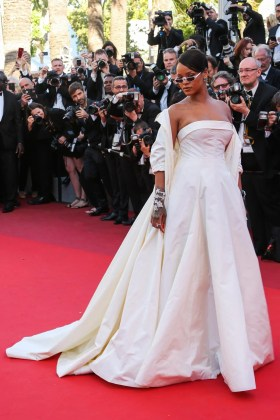 12 Rihanna CANNES FESIVAL DUBAI FASHION NEWS