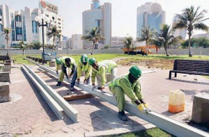 # 2005 Workers lay the foundations of the Dubai Metro at a portion of the Al Ittihad Park in Deira. # Image Credit: Hadrian Hernandez/Gulf News