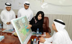 *  Image Credit: Oliver Clarke/Gulf News     * Mattar Al Tayer and other officials check the layout map of Al Khail Road.