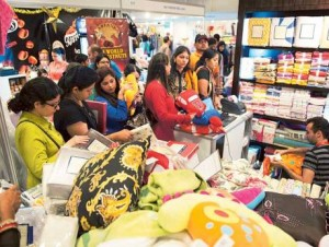 Image Credit: Arshad Ali/Gulf News Over 300 retail outlets have been set up at the Ramadan Night Market, with an array of activities aimed at the young and old alike including a henna majlis for ladies and a host of play activities for children.