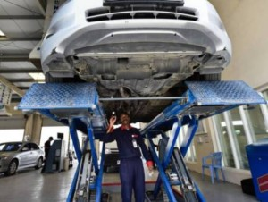 A vehicle being checked at the Wasel Vehicle Testing Centre before the renewal of registration.Image Credit: Virendra Saklani/Gulf News Archives