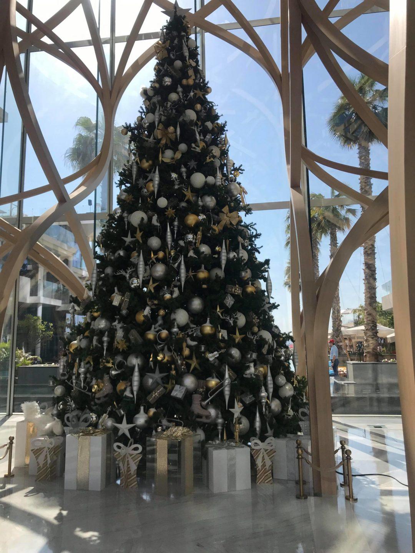 Karácsonyi hangulat Dubaiban a hotelben