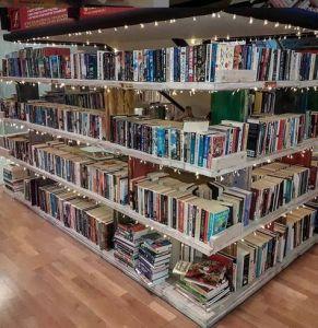 Book hero becsületkasszás könyvesbolt Dubaiban
