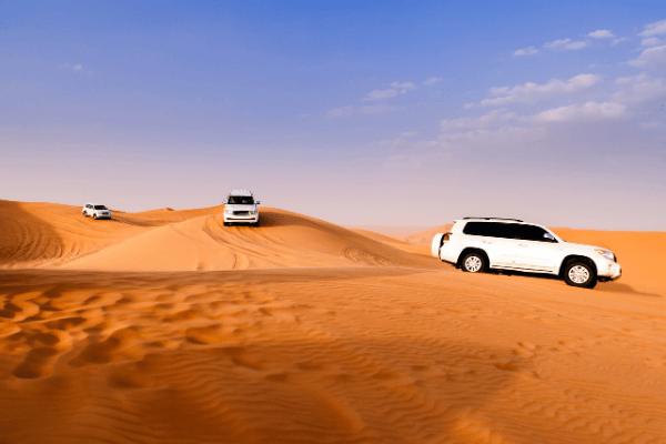 Dubai sivatagi szafari terepjáróval