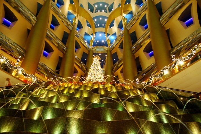 Burj Al Arab Interior - Dubai Positives and Negatives