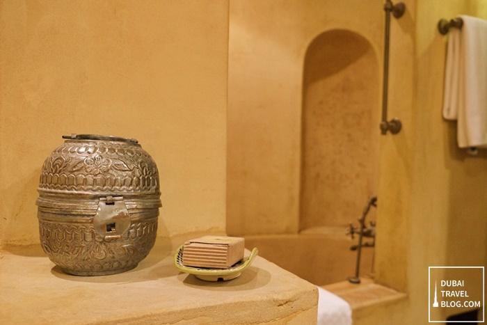 dubai bab al shams bathtub