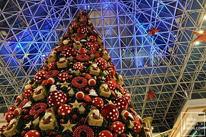 dubai wafi mall atrium