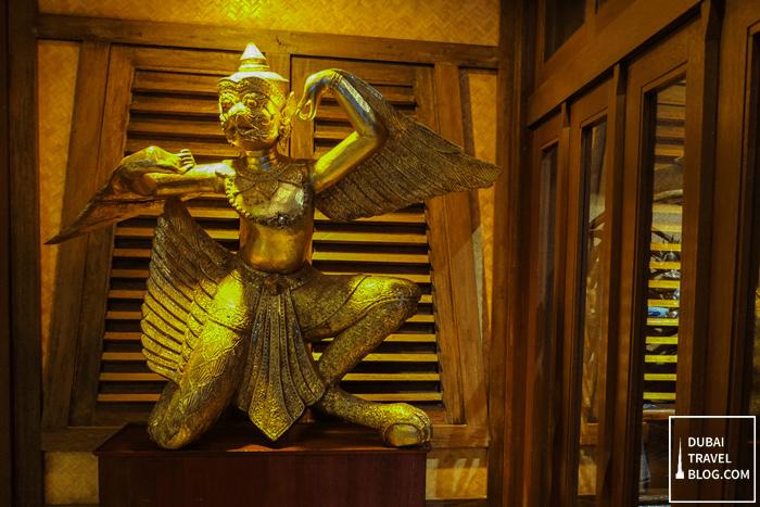 blue elephant restaurant statue