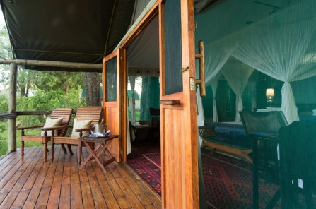 great_plains_duba_camp_deck-1024x680