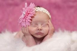 Die schönsten Neugeborenenbilder einstehen in den ersten Lebenswochen.