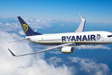 ryanair plane in flight
