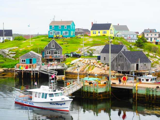Peggy's Cove - nice village with tasty Lobster.