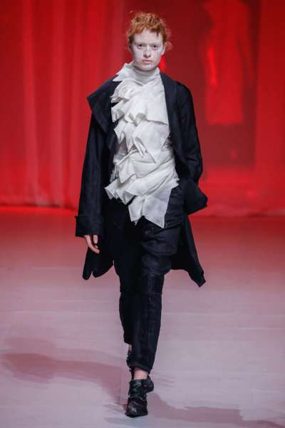 aganovich-fashion-week-spring-summer-2017-paris-womenswear-025