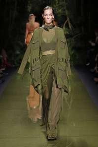 balmain-fashion-week-spring-summer-2017-paris-womenswear-007