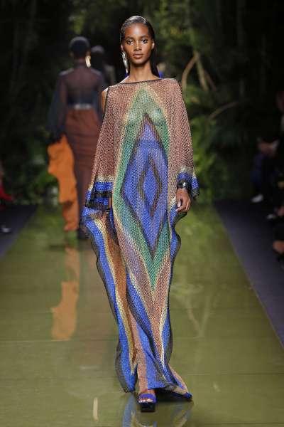 balmain-fashion-week-spring-summer-2017-paris-womenswear-012