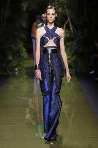 balmain-fashion-week-spring-summer-2017-paris-womenswear-014