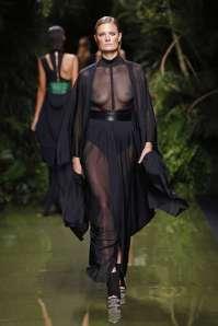 balmain-fashion-week-spring-summer-2017-paris-womenswear-020